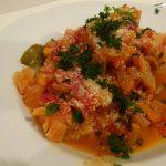 野菜たっぷりトマト煮込みハンバーグ
