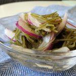 オニオンスライスのネバネバ昆布サラダ